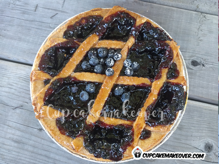 farm theme cake ideas blueberry pie